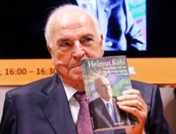 Г. Коль на презентации своей новой книги, фото dpa, ap, Spiegel